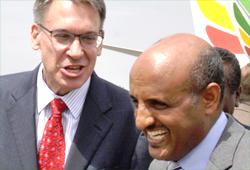 Randy Tinseh (left) and Tewolde Gebremariam (Photo: AddisFortune.net)