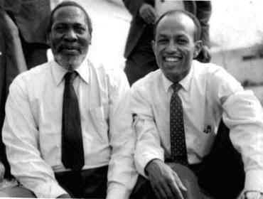 Ketema Yifru and and the late President Jomo Kenyatta of Kenya (Photo: www.oau-creation.com )
