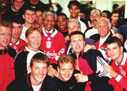 1994 Liverpool team with President Nelson Mandela (Photo: liverpoolfc.com)