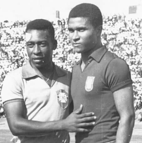 Two of the world's greatest players, Pele and Eusebio (Photo: http://footballarchive.tumblr.com)