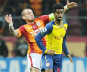 Gedion Zelalem plays for Arsenal in Champions League match