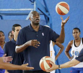 Dikembe Mutombo © Action Images -