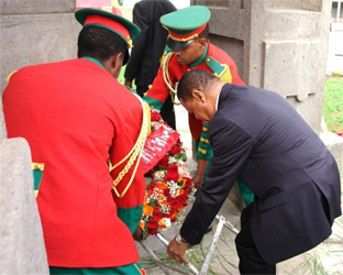 President Mulatu laid a wreath at Victory Monument