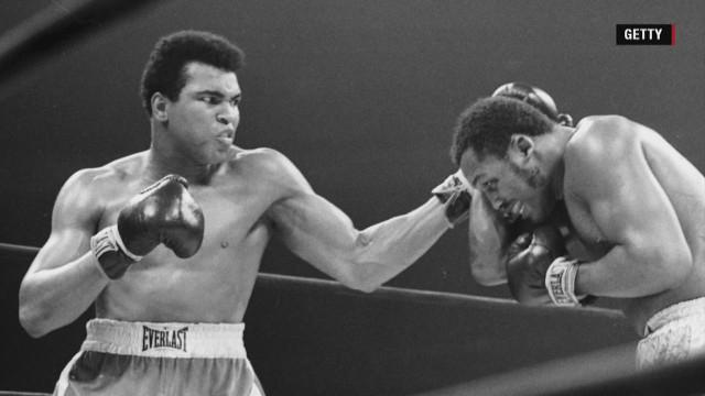 Muhammad Ali vs Joe Frazier )Getty Images)
