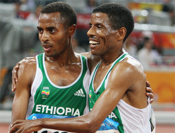 Kenenisa Bekele (left) and Haile Gebrselassie