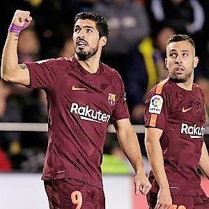 Suarez and Messi give Barca win